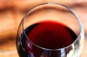 137349-425x282-red-wine-glass